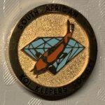 SAKKS - Kohaku on blue diamond, gold background - 10 year small pin